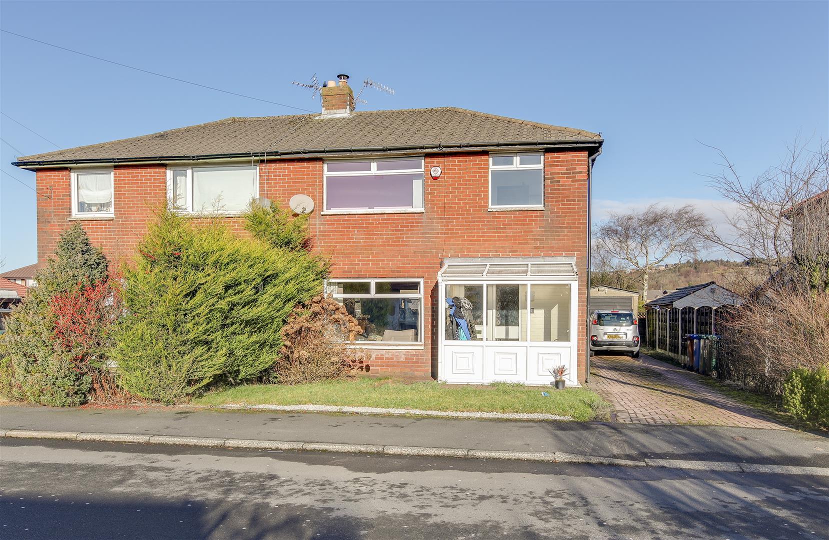 4 Bedrooms Semi Detached House for sale in Grasmere Road, Haslingden, Rossendale